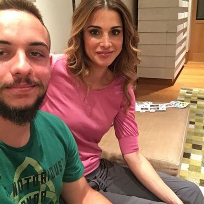 Prince Hussein shared a selfie with his mother Queen Rania for her birthday. 
