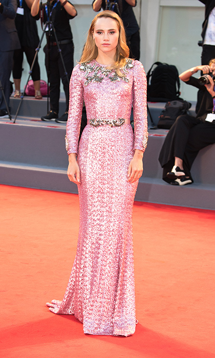 Suki Waterhouse in Dolce and Gabbana.