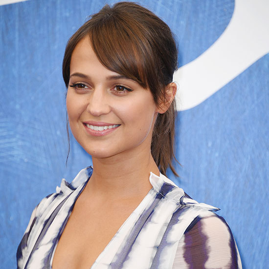 Alicia Vikander gave us major ponytail goals when she stepped out with this sleek style, sweeping her fringe to the side for a glamorous finish. 