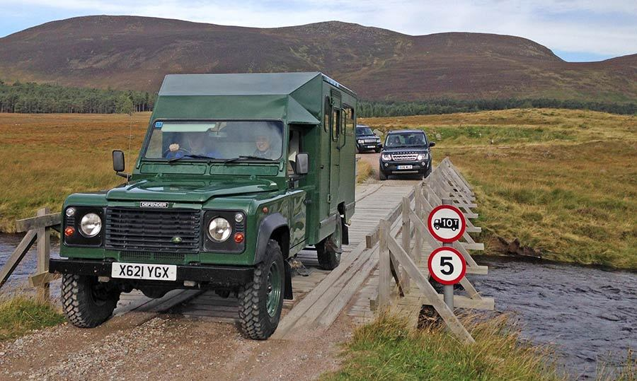 Prince William drove a green Land Rover. 