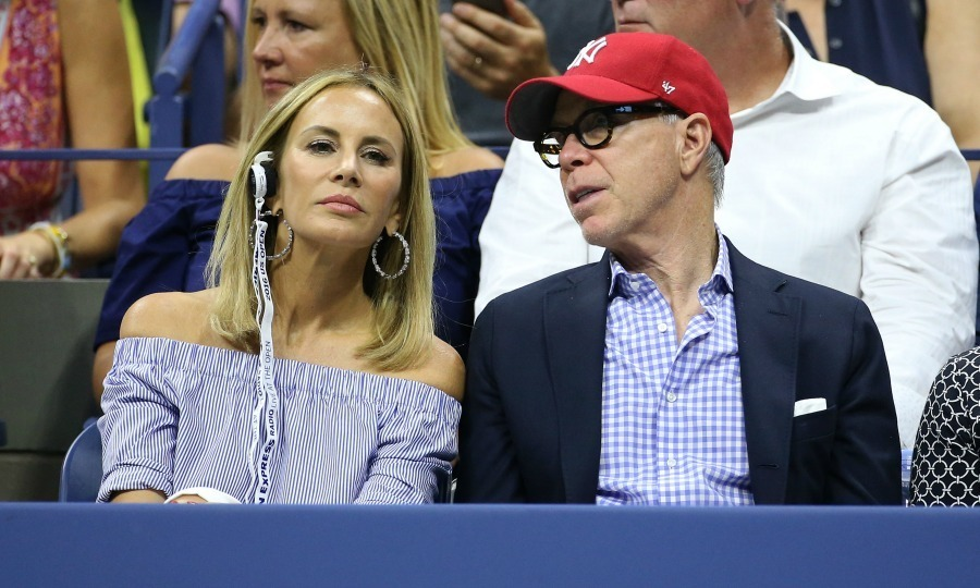 Tommy and Dee Hilfiger took a break from fashion week and showed their matching support during the men's final. 