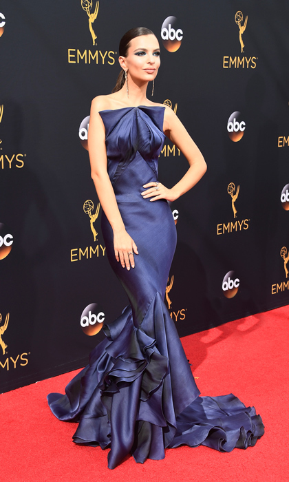 Emily Ratajkowski in Zac Posen. 