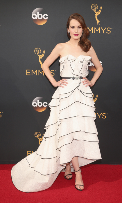 Michelle Dockery in Oscar de la Renta. 