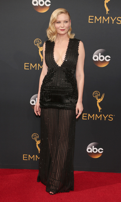 Kirsten Dunst in Givenchy. 