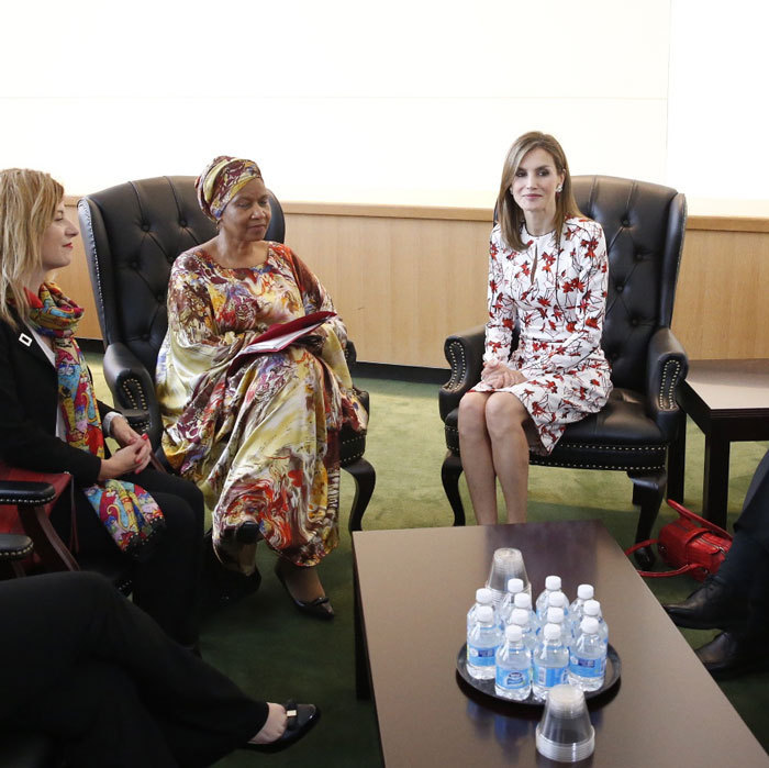 Queen Letizia, who is in New York to participate in a meeting on refugees and migrants, sat down with the Executive Director of UN Women, Phumzile Mlambo-Ngcuka.