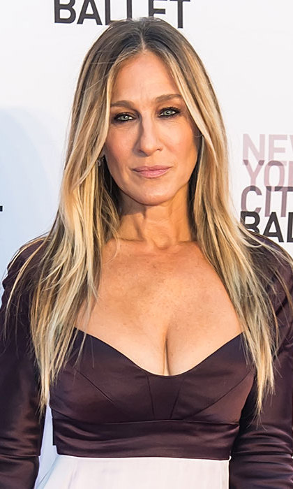 Sarah Jessica Parker wowed fans with her smouldering smoky eye makeup and poker straight hairstyle at the New York City Ballet.