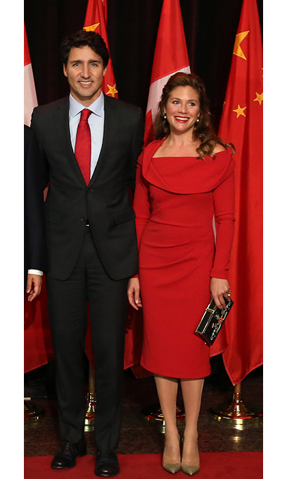 In celebration of the premier of China's visit to Canada, Sophie dazzled in a crimson off-the-shoulder dress from Tracy Moore's collaboration with Freda's.  