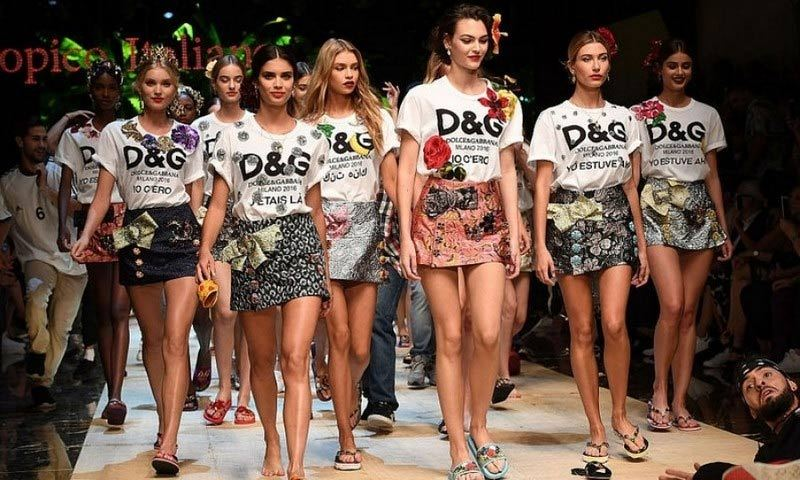 The D&G squad including Sara Sampaio and Hailey Baldwin led the way down the runway for the Spring/Summer 17 Dolce & Gabbana show. 