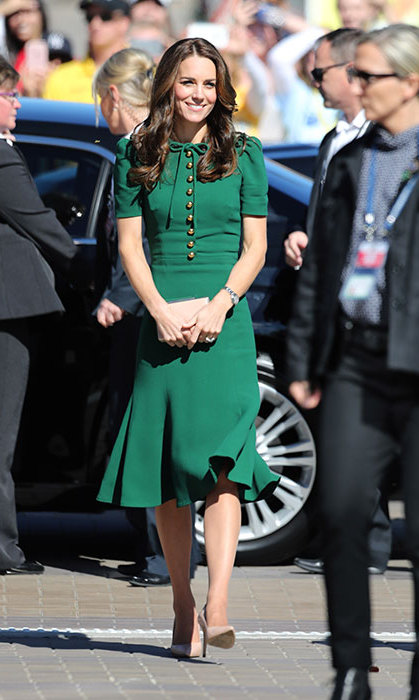 During her 2016 royal tour of Canada with Prince William and the kids, Kate's look had fashion fans green with envy as she made an appearance in BC's spectacular Okanagan Valley - Canada's wine country - with its lush green mountains. Her Dolce & Gabbana dress was an instant hit with fashion fans. 