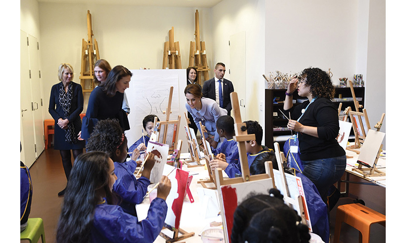 Before leaving Kate visited the Art Workshop where a group of children were having a painting lesson.