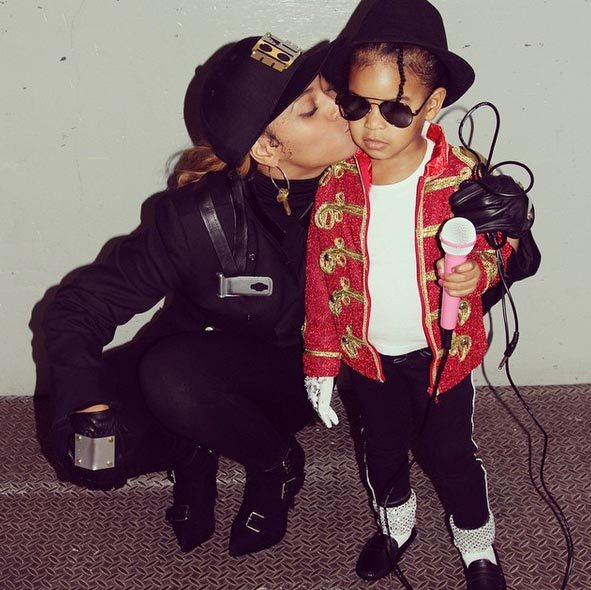 Beyonce and Blue Ivy as Janet and Michael Jackson.