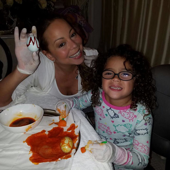 Mariah Carey wasn't afraid to get messy when it came to painting Easter eggs with her daughter Monroe.
