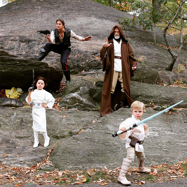 Leave it to Neil Patrick Harris and David Burtka to create the ultimate family scene from <i>Star Wars</i>. 