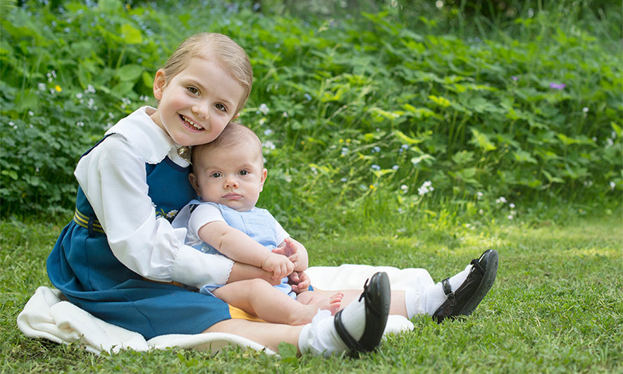 The little prince joined his sister Princess Estelle for new portraits in celebration of Sweden's 2016 national day.