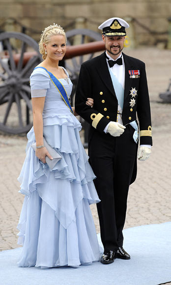 8. Here, the princess and her husband attend the wedding of close friend Crown Princess Victoria of Sweden. The royals are so close, Mette-Marit named Victoria godmother of her daughter Princess Ingrid.  