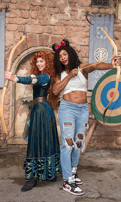 Serena Williams shows tennis isn't the only sport she aces as she proves her aim at archery with Merida from <em>Brave</em>.