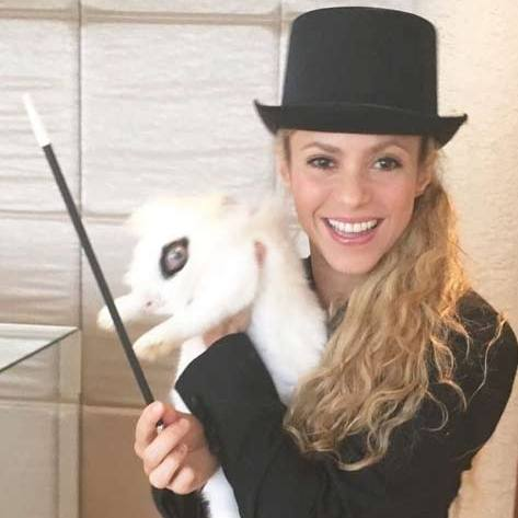 Shakira cast a spell as a magician.