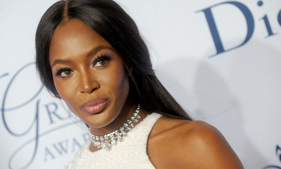Naomi Campbell showed off her supermodel credentials by channelling old Hollywood at a glamorous gala. 