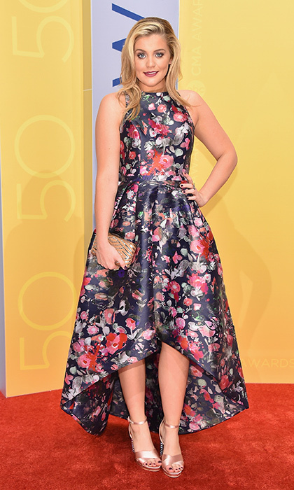 Lauren Alaina looked pretty in a floral number by Monique Lhuillier. 