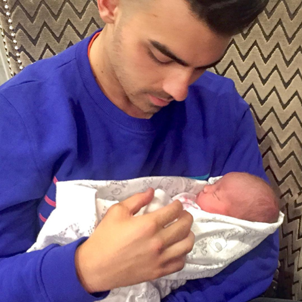 DNCE frontman and proud uncle Joe Jonas took to social media to share his first snap with his newborn niece Valentina, from brother Kevin and his wife Danielle. 