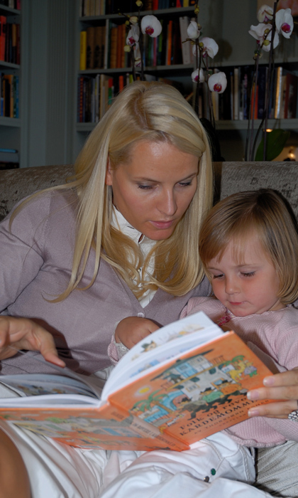 Princess Mette-Marit and Princess Ingrid. 