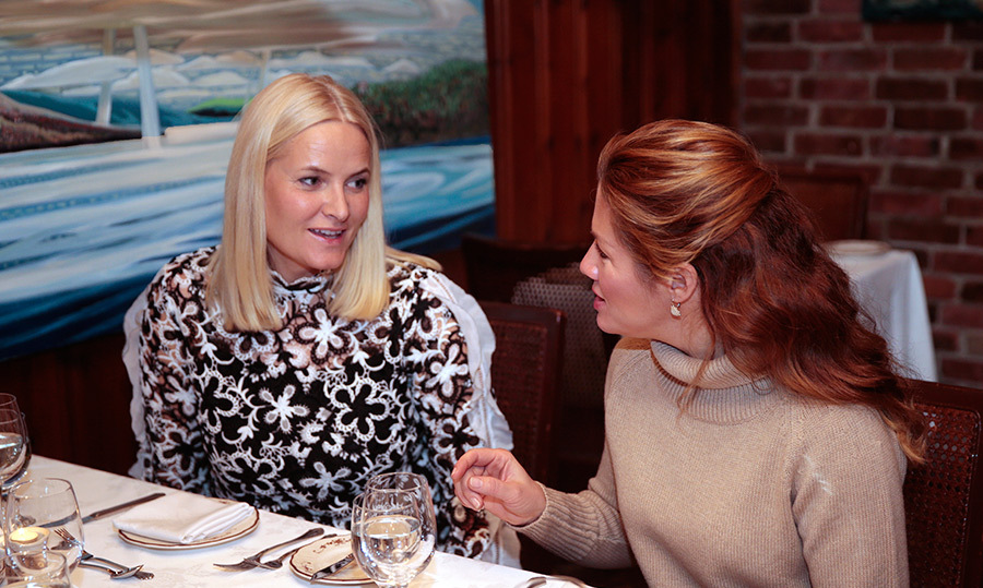 Sophie and Mette-Marit enjoyed a lively chat during dinner. 