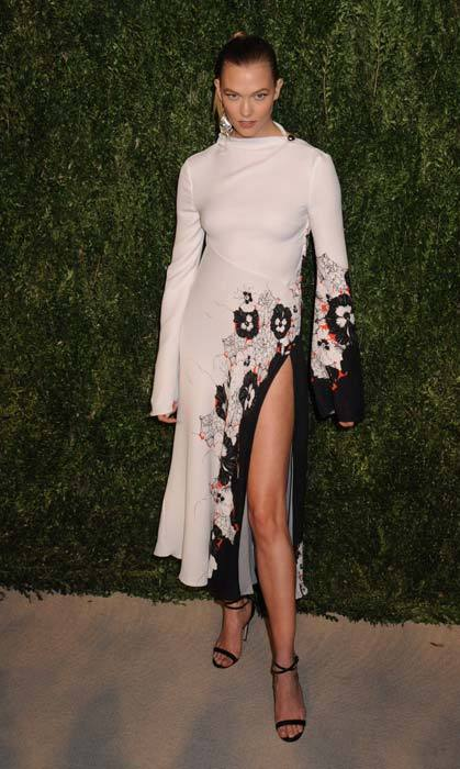 Karlie Kloss in Prabal Gurung