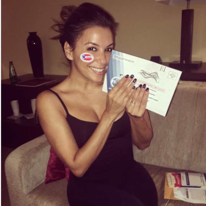 A fresh-faced Eva Longoria looked thrilled to be mailing off her absentee ballot. 