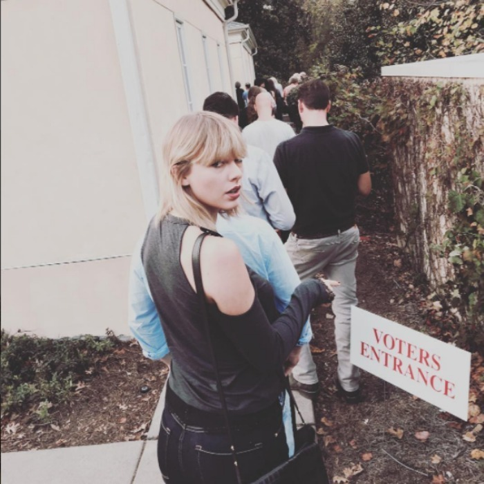 No celebrity status in this line! Taylor Swift waited in line before rocking the vote. 