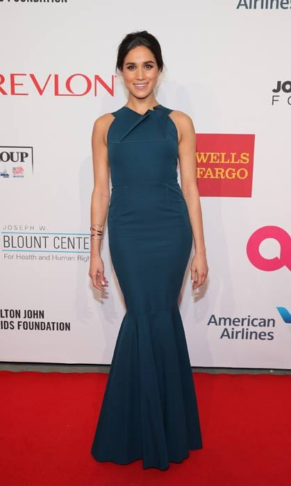 The actress attended a charity event in New York in this stunning turquoise mermaid gown. 