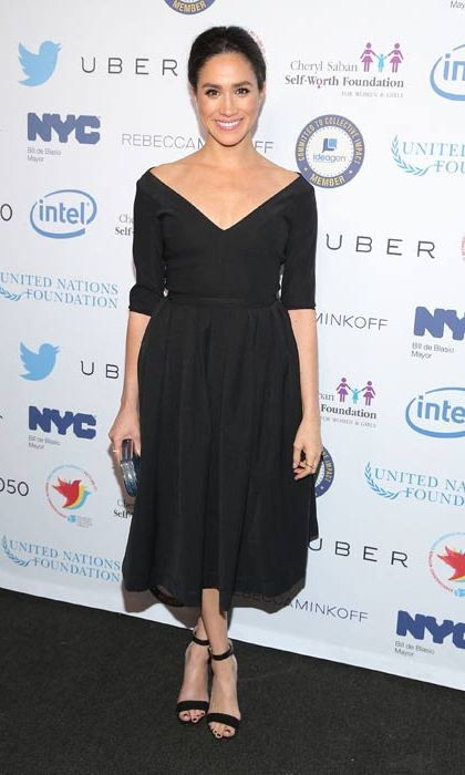 Rocking her favourite ladylike silhouette again, this time in black.
