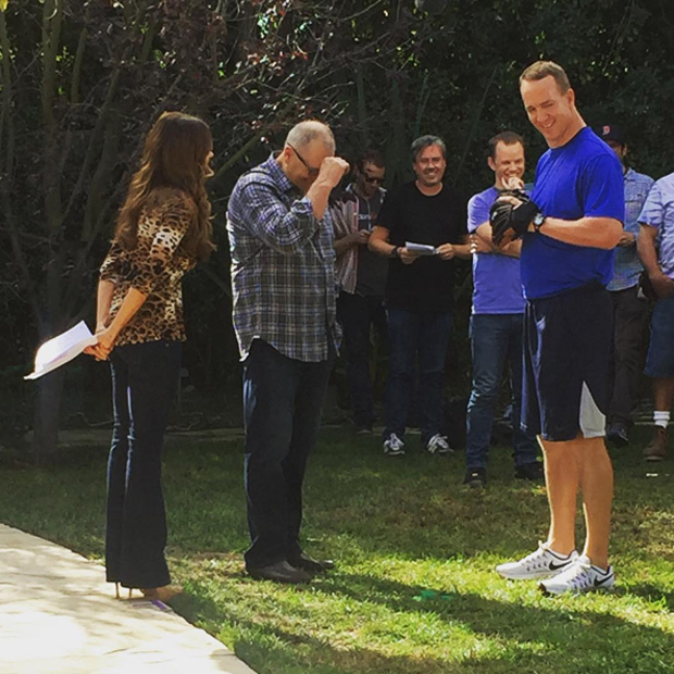 Sofia Vergara welcomed a very special guest – former NFL quarterback Peyton Manning – who touched down on set for a cameo appearance on her beloved sitcom.