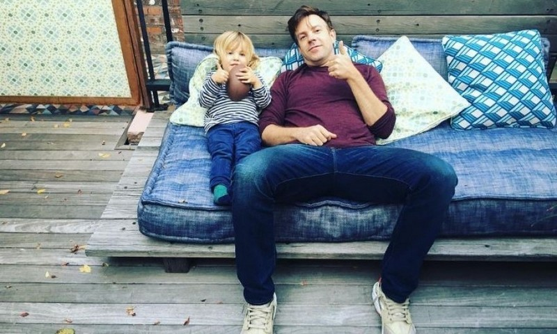 "Olivia Wilde shared a photo of her ""good dudes,"" Jason Sudeikis and their son Otis, lounging. 