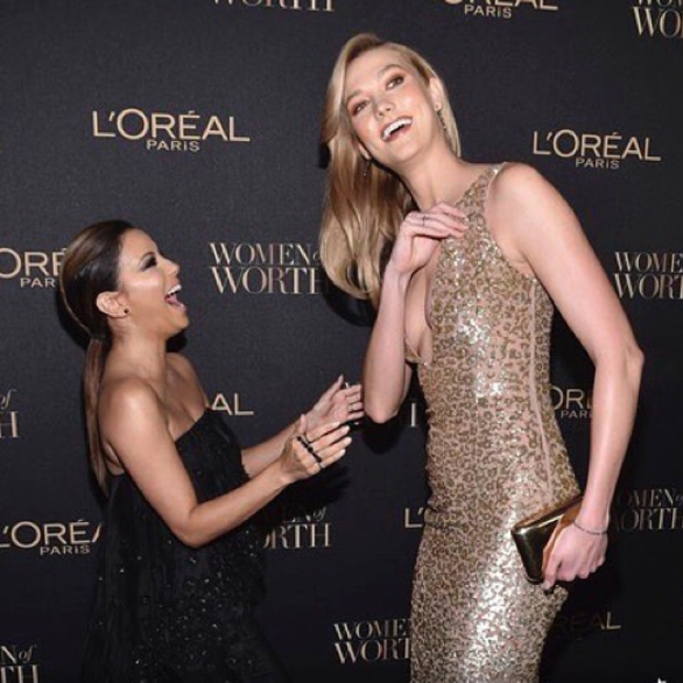 Anyone would feel like Eva Longoria standing next to uber-tall supermodel Karlie Kloss!