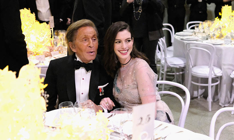 Anne Hathaway brought her friend and wedding dress designer Valentino Garavani as her date to the 2016 Guggenheim International Gala in New York City.