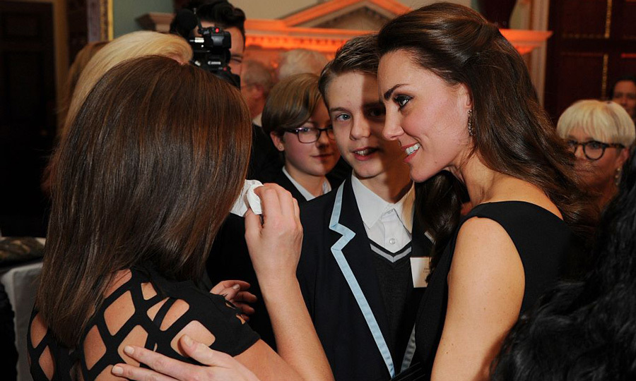 Kate consoled a crying mother at the awards. 
