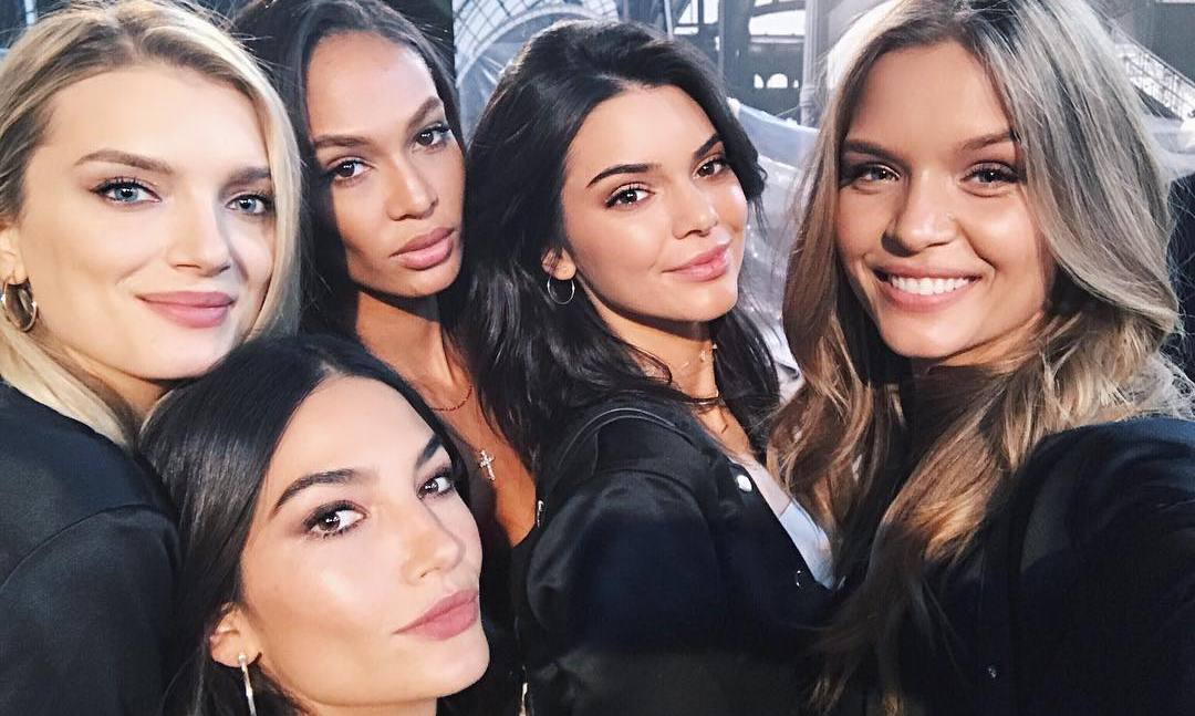 "<link href=""https://afeld.github.io/emoji-css/emoji.css"" rel=""stylesheet""><h2>Josephine Skriver</h2><br>""2 more days!! #vsfashionshow <i class=""em em-scream""></i><i class=""em em-scream""></i><i class=""em em-scream""></i>""<br>Photo: &copy; Instagram"
