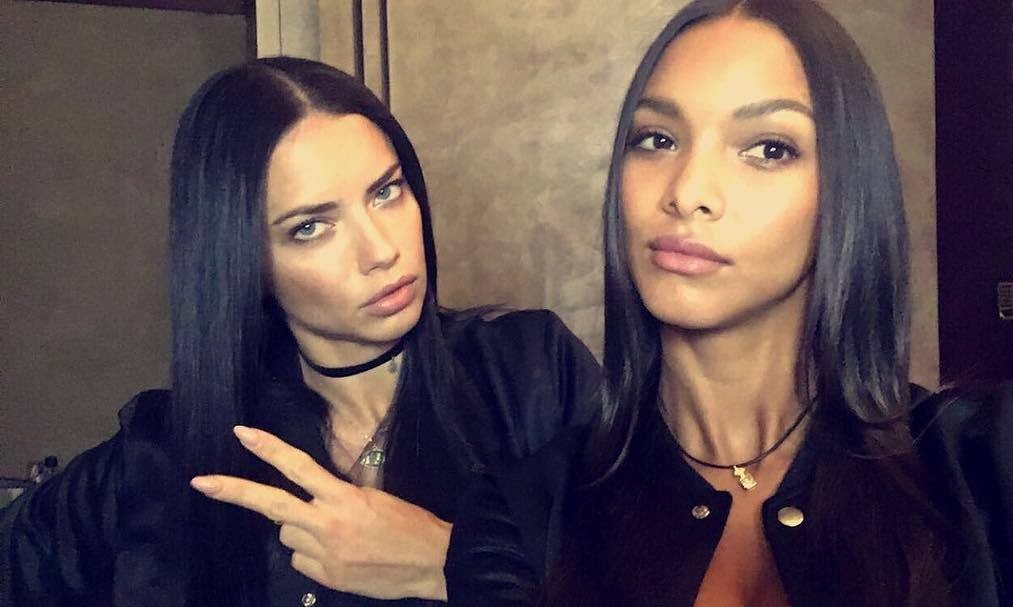 "<link href=""https://afeld.github.io/emoji-css/emoji.css"" rel=""stylesheet""><h2>Lais Ribeiro</h2><br>""Afternoon Paris <i class=""em em-ferris_wheel""></i> #vsfs2016""<br>Photo: &copy; Instagram"