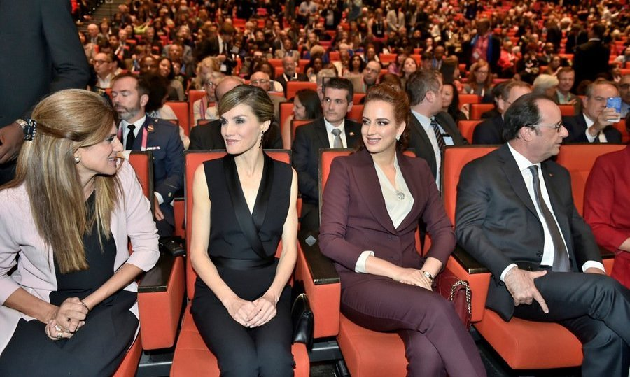 Queen Letizia of Spain, center left, and Princess Lalla Salma of Morocco, center right, joined French president Francois Hollande, far right, for the opening ceremony of the 24th World Cancer Congress hosted by the Union for International Cancer Control (UICC) in Paris.<br>Photo: &copy; Balkis Press