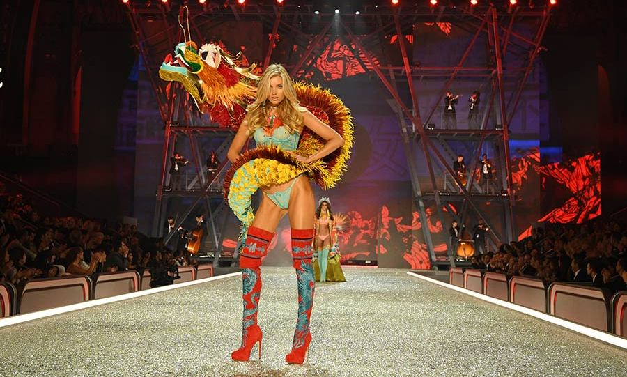 Elsa Hosk took to the runway wearing a dramatic dragon costume.<br>Photo: &copy; Getty Images
