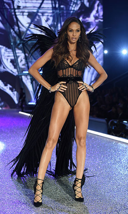 Joan Smalls dazzled in a black ensemble.<br>Photo: &copy; Getty Images