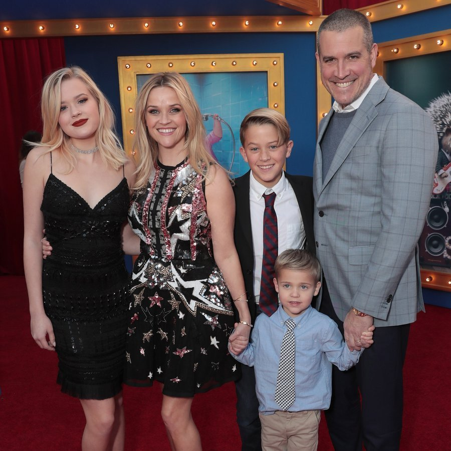 Reese brought along husband Jim Toth and her kids — Ava Phillippe, Deacon Phillippe and baby of the family, Tennessee Toth — to the premiere. 