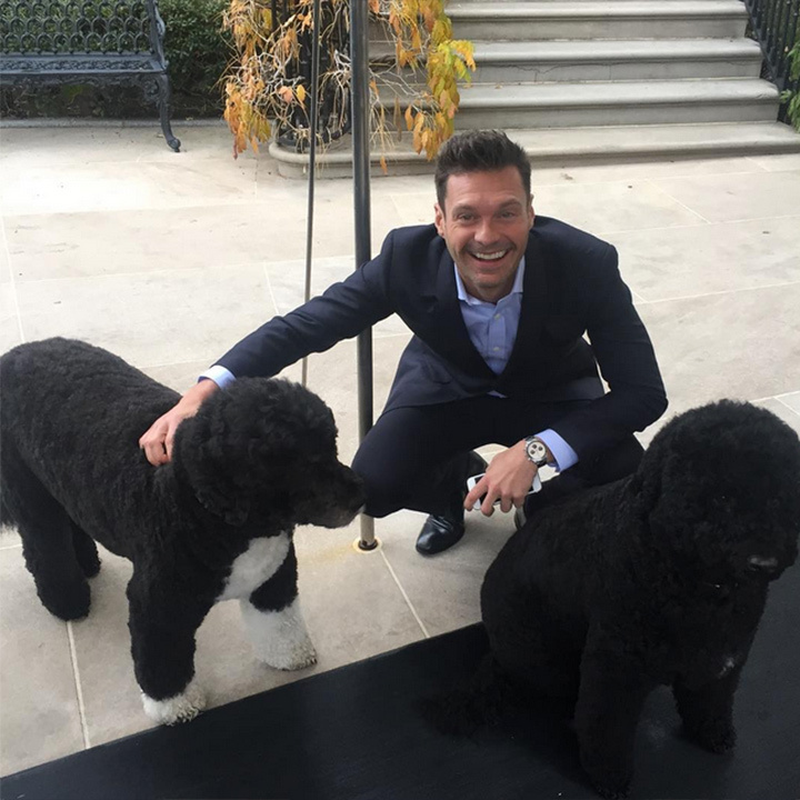 Ryan Seacrest had the pleasure of meeting the Obamas' dogs Bo and Sunny!