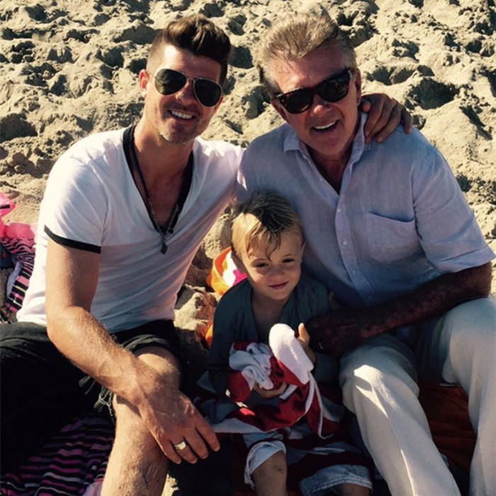 """Three generations of Thickness!"" joked Robin on Instagram. 