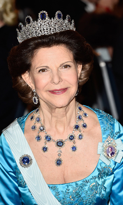 Queen Silvia has also been spotted wearing the neoclassical Leuchtenberg. The priceless piece has nine prominent square sapphires and sits significantly higher than some of the more understated pieces in the family collection. The whole set includes the stunning sapphire necklace, brooch and pendant earrings.