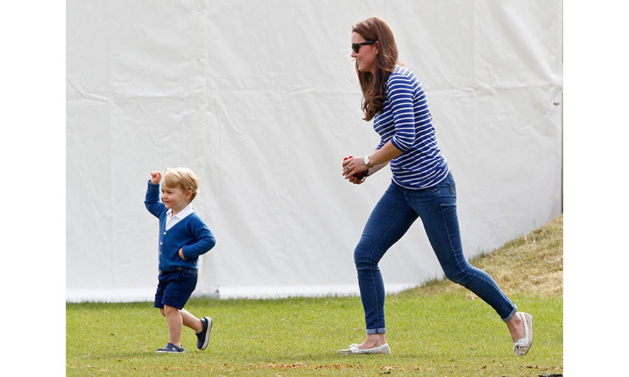 <h2>Comfy jeans</h2><p>A good pair of jeans can be ideal for spongeing off whatever food Princess Charlotte flicks her mother's way, and any mom will know that comfortable jeans can make all the difference when you're spending the day running around after your toddler. Kate favours skinny jeans to show off her enviable figure and keep her look feminine &mdash; even when she's chasing Prince George at a polo match!<p><p>Photo: &copy; Getty Images</p>
