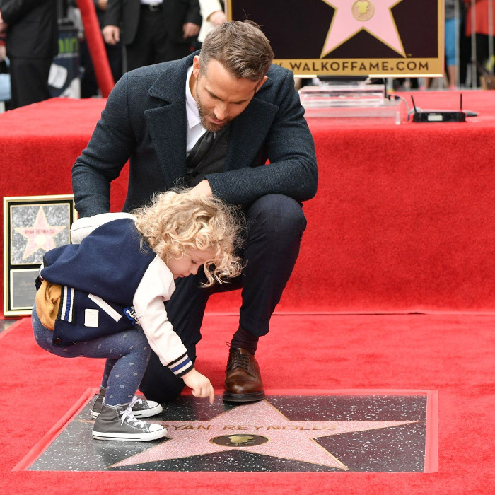 James takes a closer look at her dad's star. 