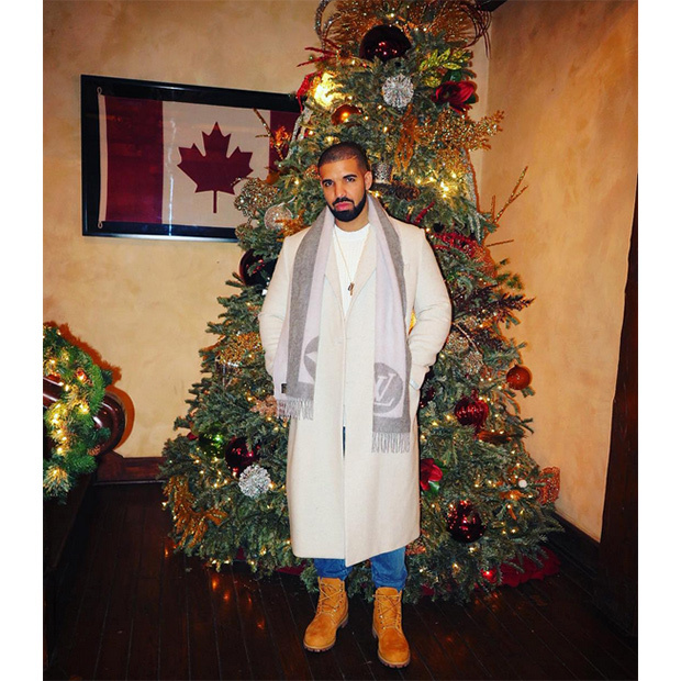 Drake is ready for the holidays!