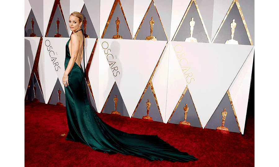 At the Oscars, Canada's sweetheart Rachel McAdams dared to bare in emerald August Getty Atelier. 