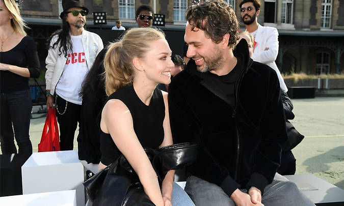 <h2>Amanda Seyfried and Thomas Sadoski </h2>